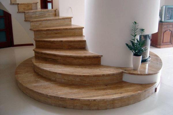 kamienne schody krecone