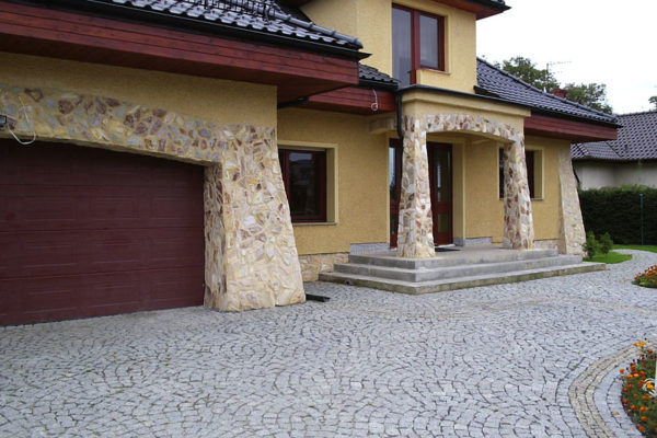 podjazd kamienny