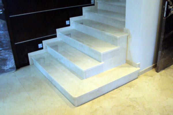 schody biale