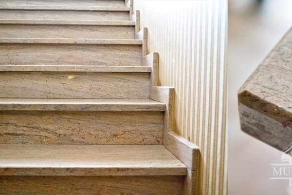schody marmurowe praktyczne na lata