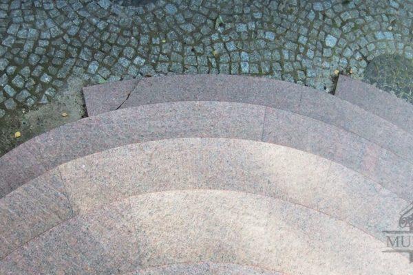 schody granitowe wypalane antyposlizgowe