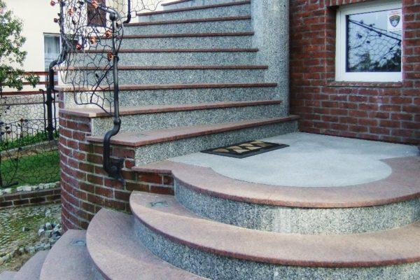 schody antyposlizgowa powierzchnia