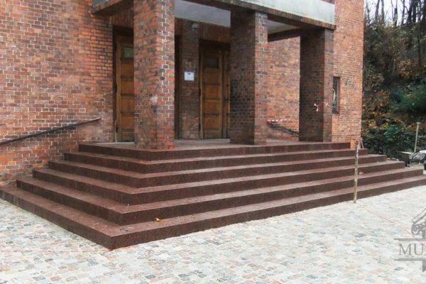polski granit na schody