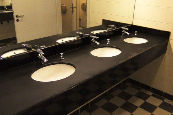 toaleta kamien