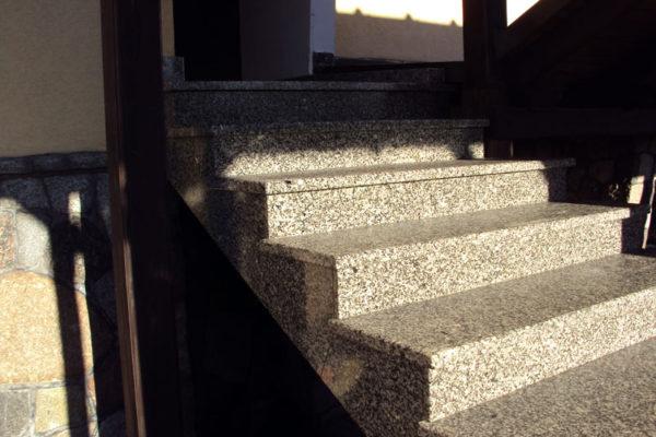 wejsciowe schody granitowe