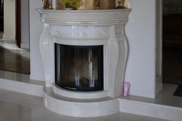 kominek z Crema Marfil fireplaces made of marble Crema Marfil