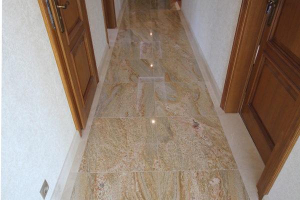 korytarz z granitu Imperial gold