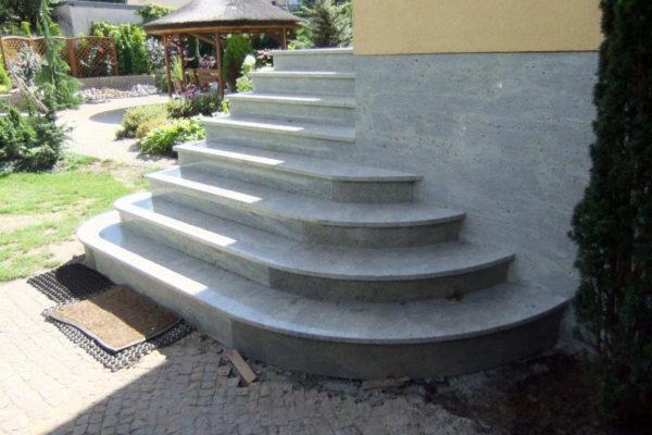 schody kamien szary