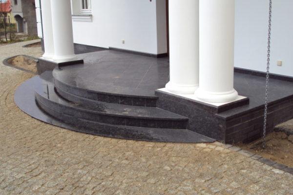 schody z szarego granitu Silver Grey