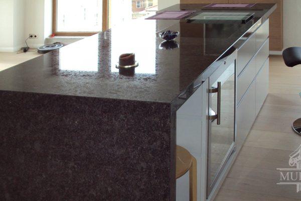 granit w kuchni
