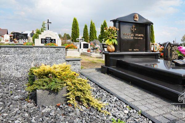 granitowy pomnik