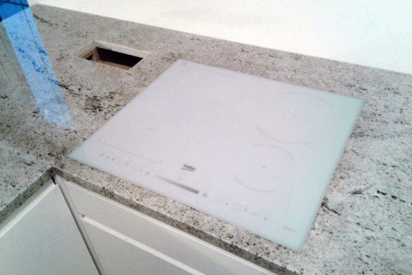 jasny granit kuchnia
