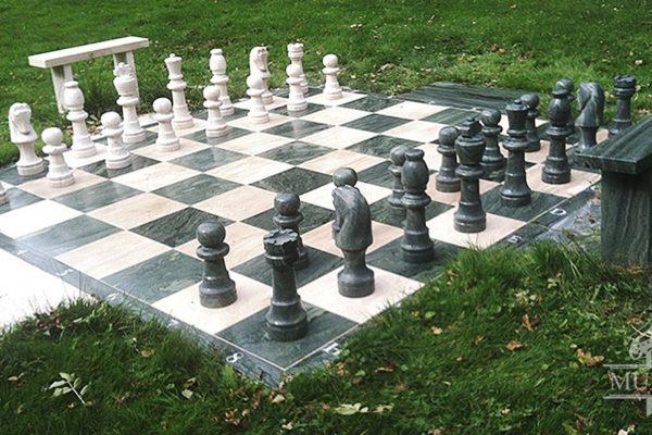 szachy ogrodowe kamien