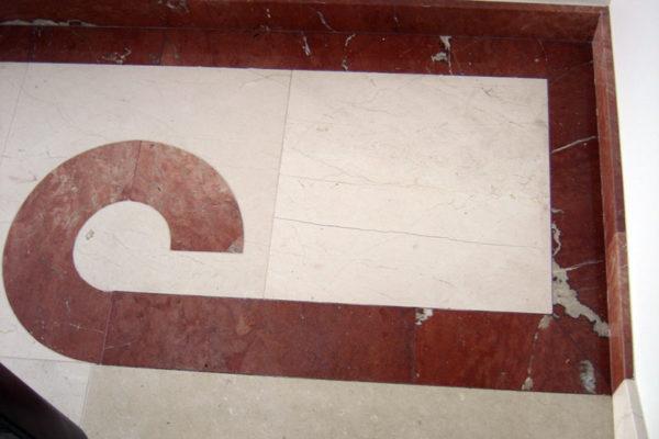 mozaika na podlodze