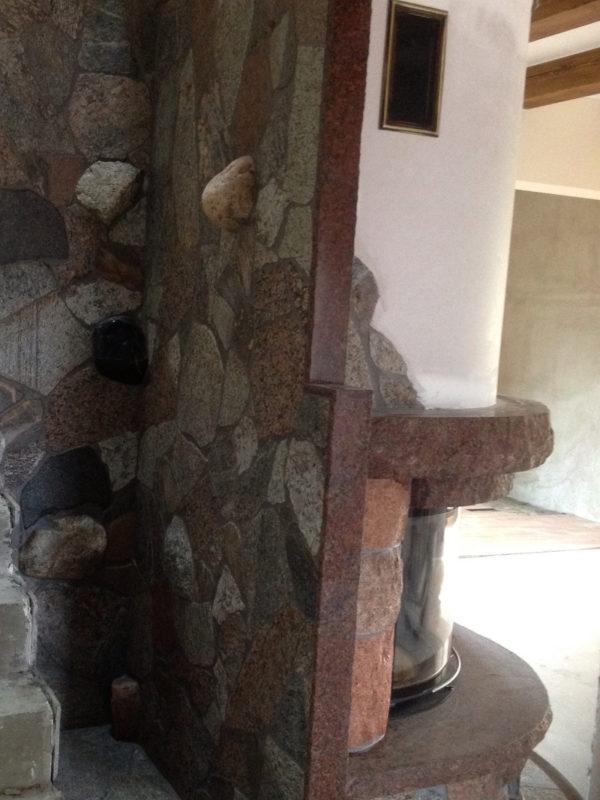 kominek z kamienia polnego