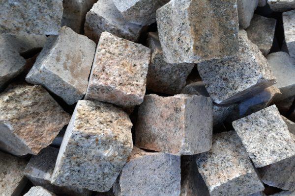 kostka lupana granit